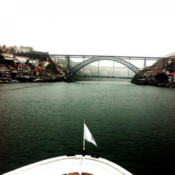 Vista de cruzeiro no Rio Douro · por Riey · #Porto
